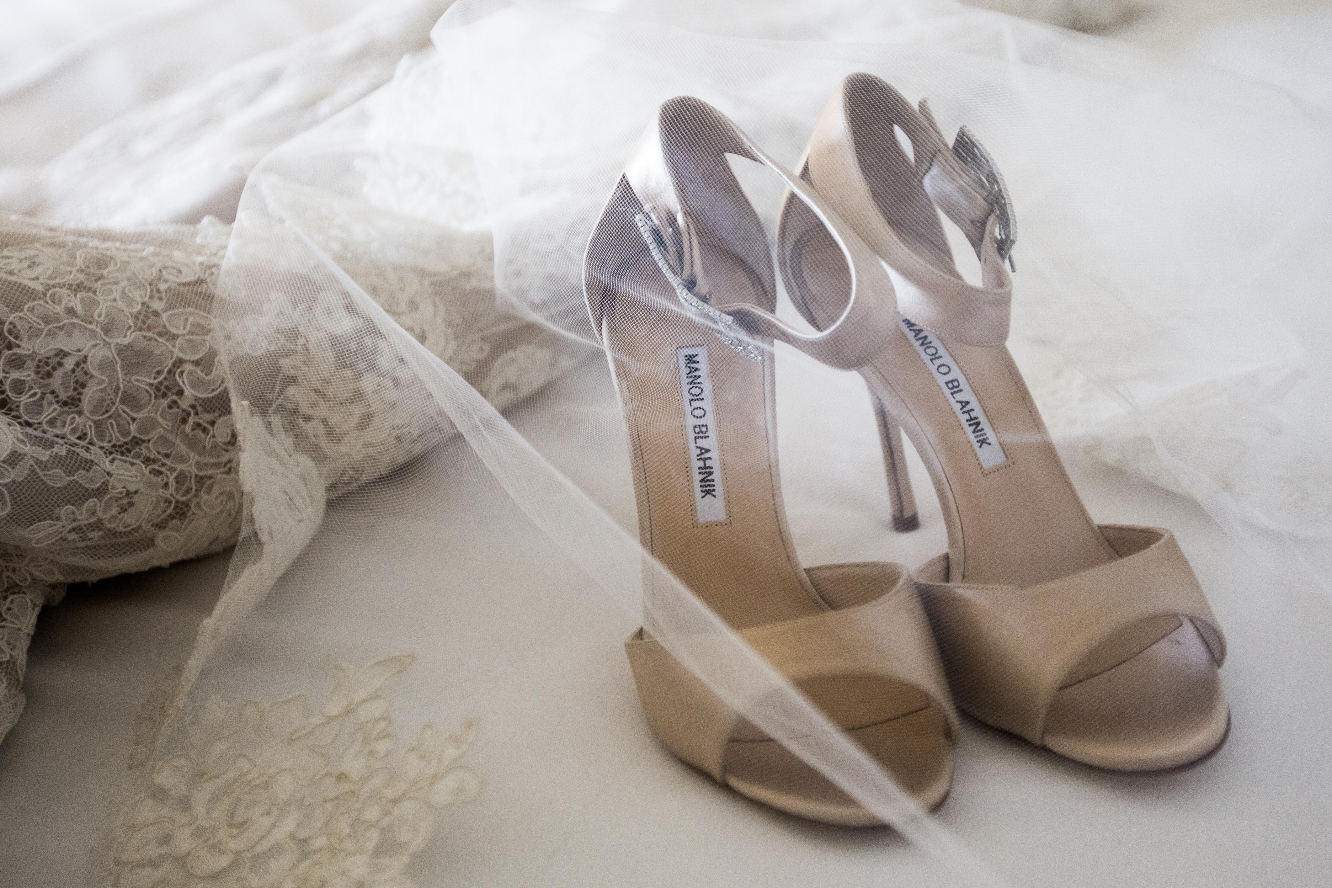 Hyattt hotel wedding greenwich ct detail shot of shoes, veil and dress